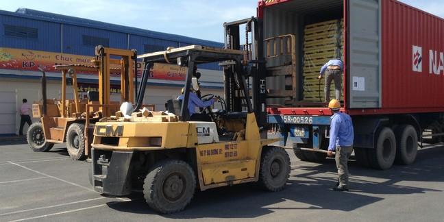 Dịch vụ di dời kho xưởng, nâng cẩu máy móc tại TPHCM-01