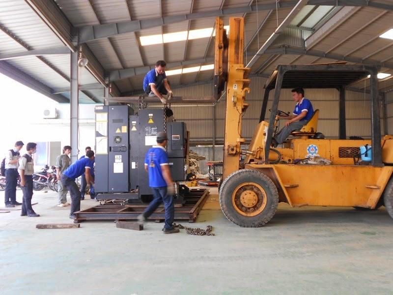 Dịch vụ di dời kho xưởng, nâng cẩu máy móc tại TPHCM-03